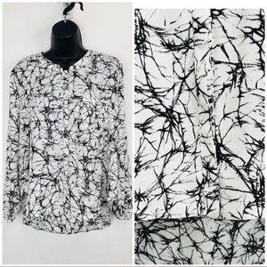 ASTR printed blouse sz M black white